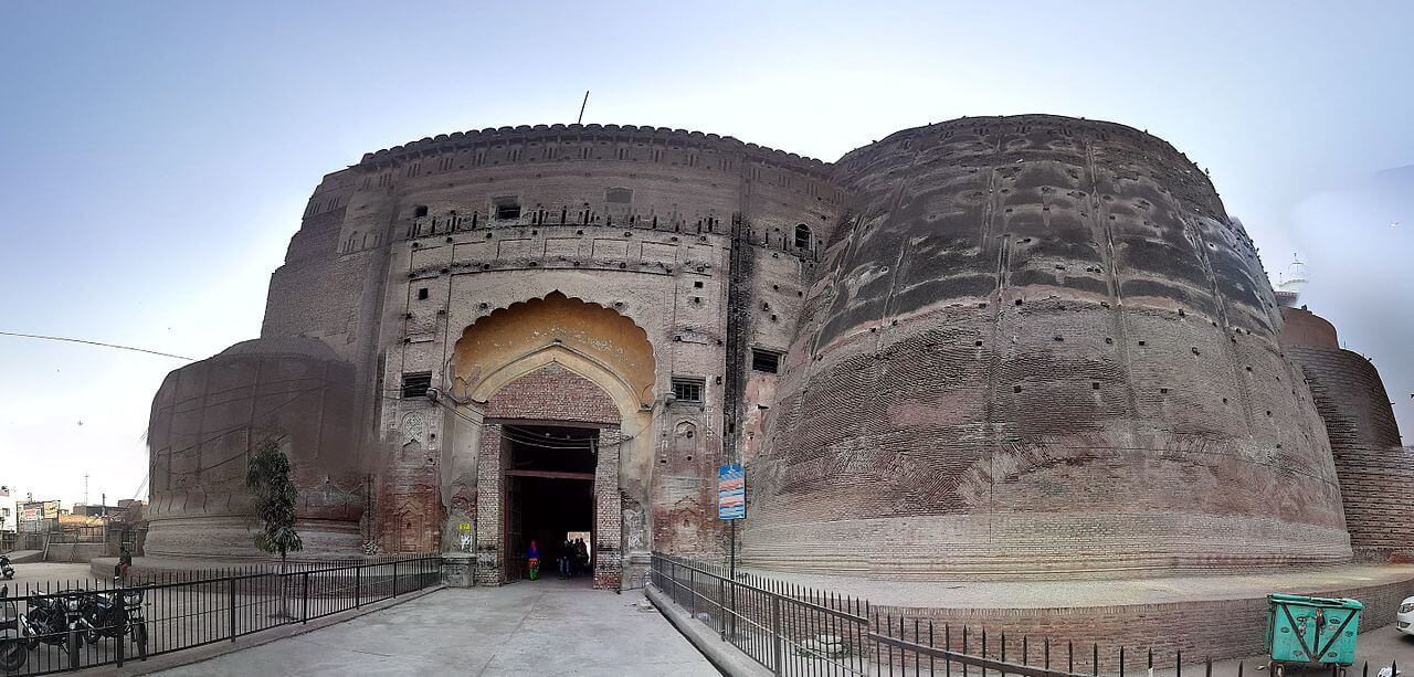Entry gate Qila Mubarak ,Bathinda