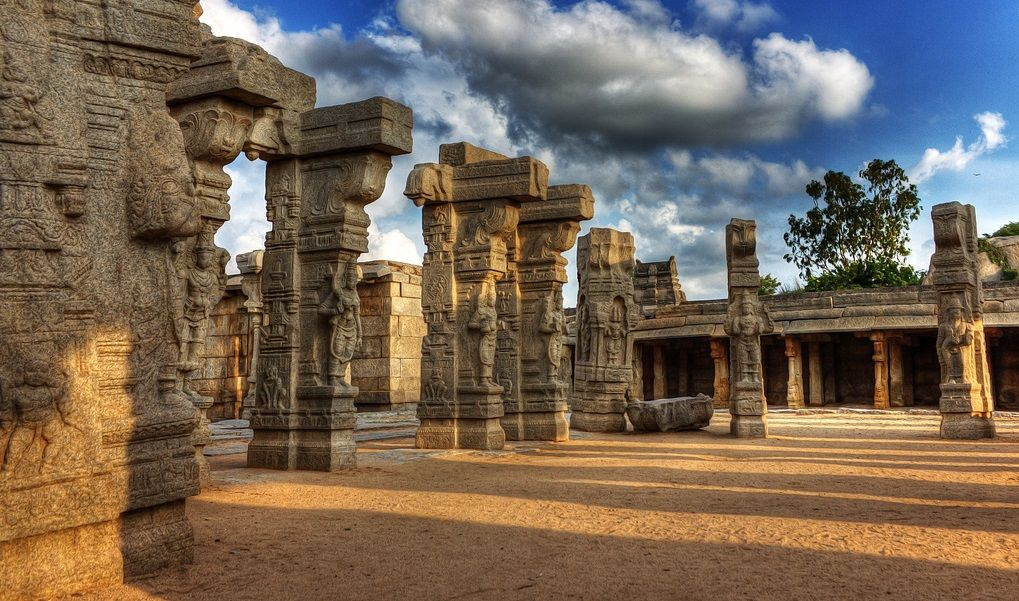Hanging Pillars of Lepakshi