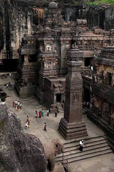 mind-boggling images of the Kailasa Temple
